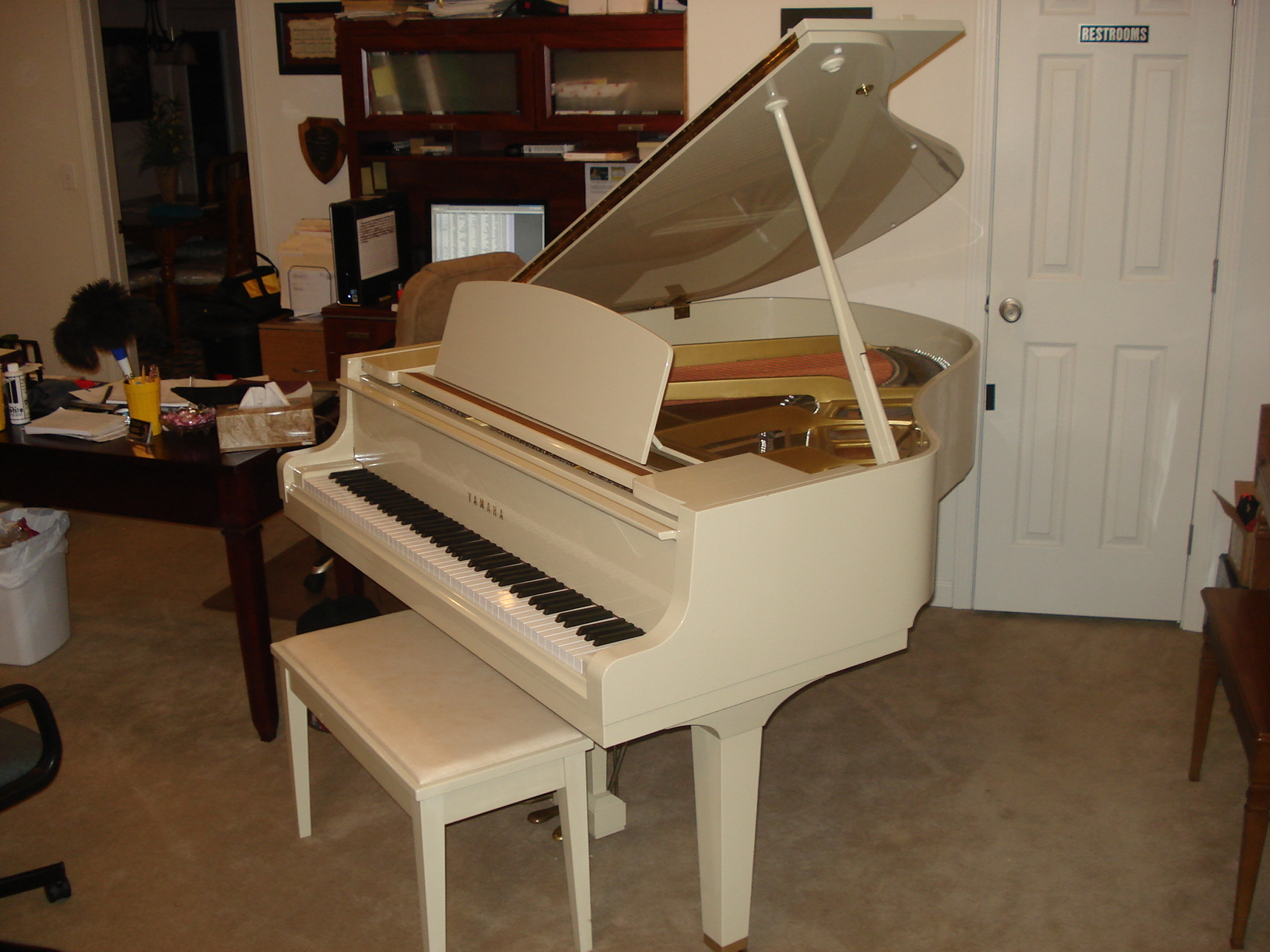 Yamaha gh1 5 39 3 baby grand for Price of a yamaha baby grand piano