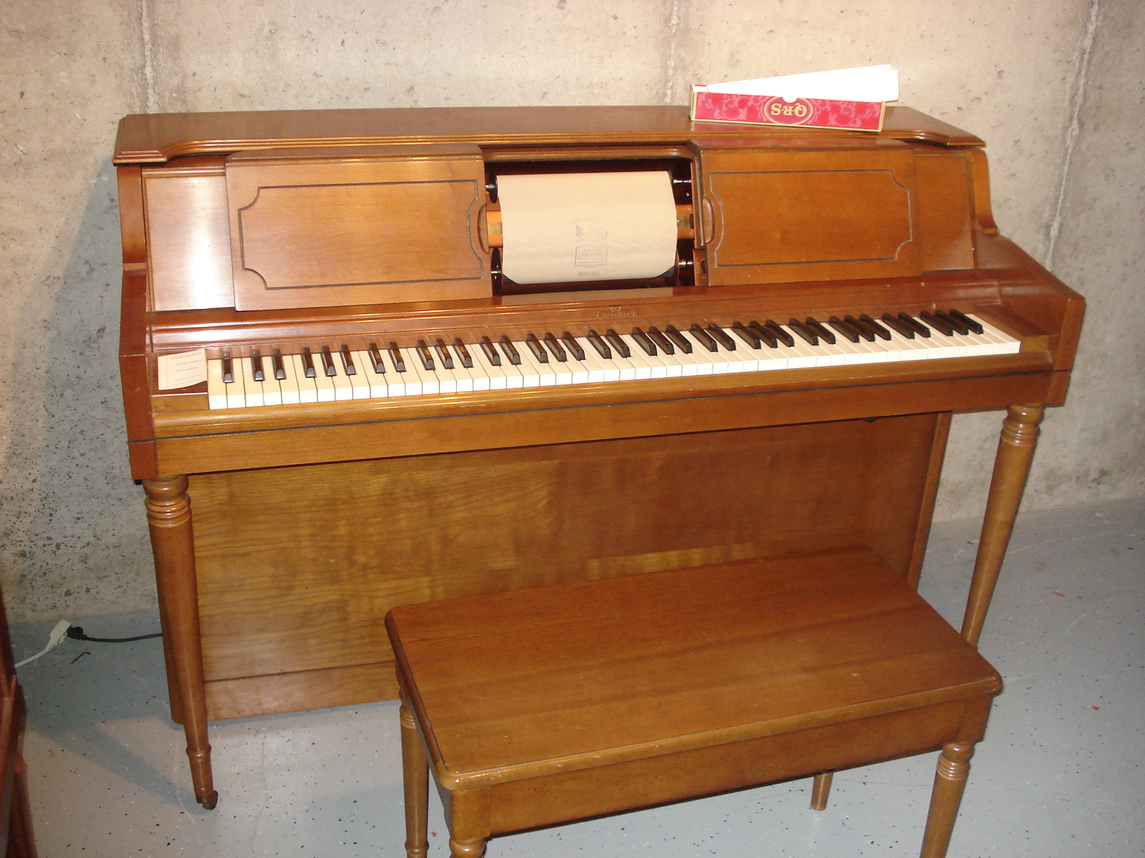 1971 Wurlitzer Spinet Player